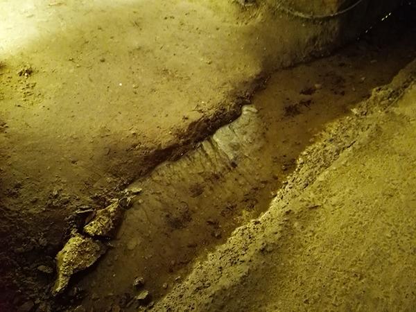 中山隧道の水路