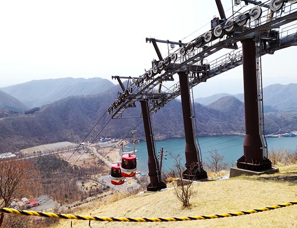 榛名富士山頂駅周辺からの景色とロープウェイ