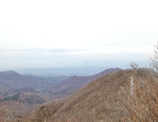 掃部ヶ岳山頂の風景