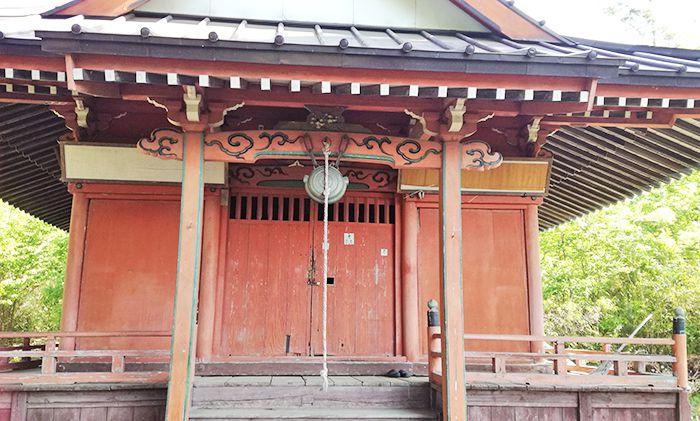 戸神山登山道にある神社