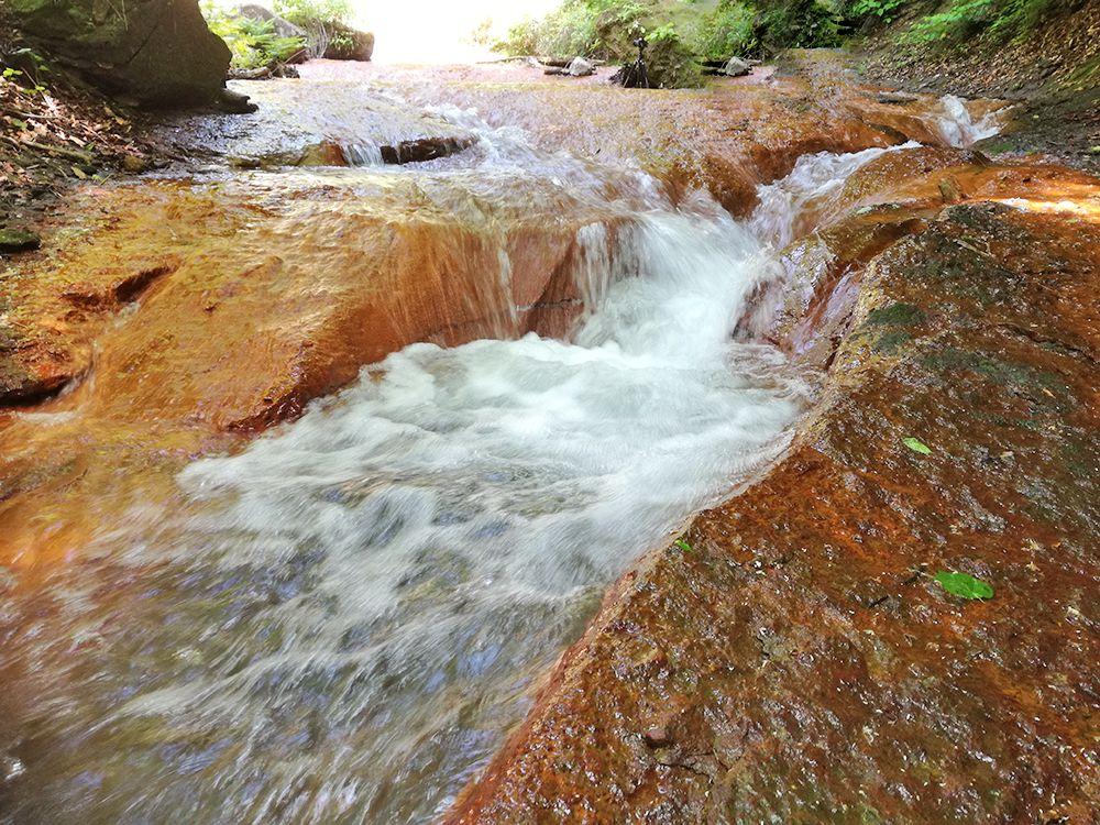 嫗仙の滝の水