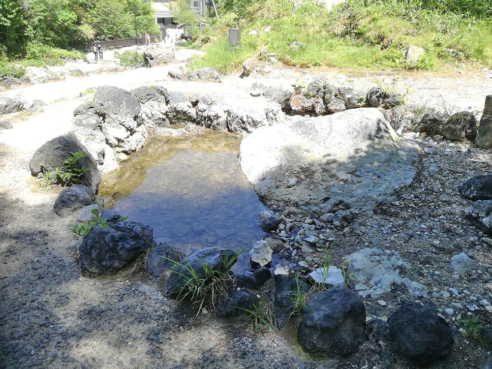 西の河原公園の鬼の茶釜