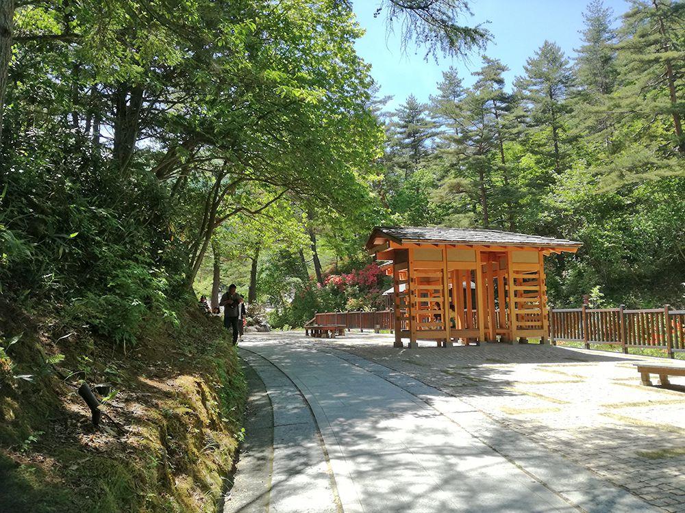 西の河原公園の休憩所