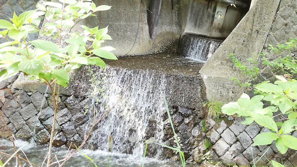 大滝乃湯周辺にある水路