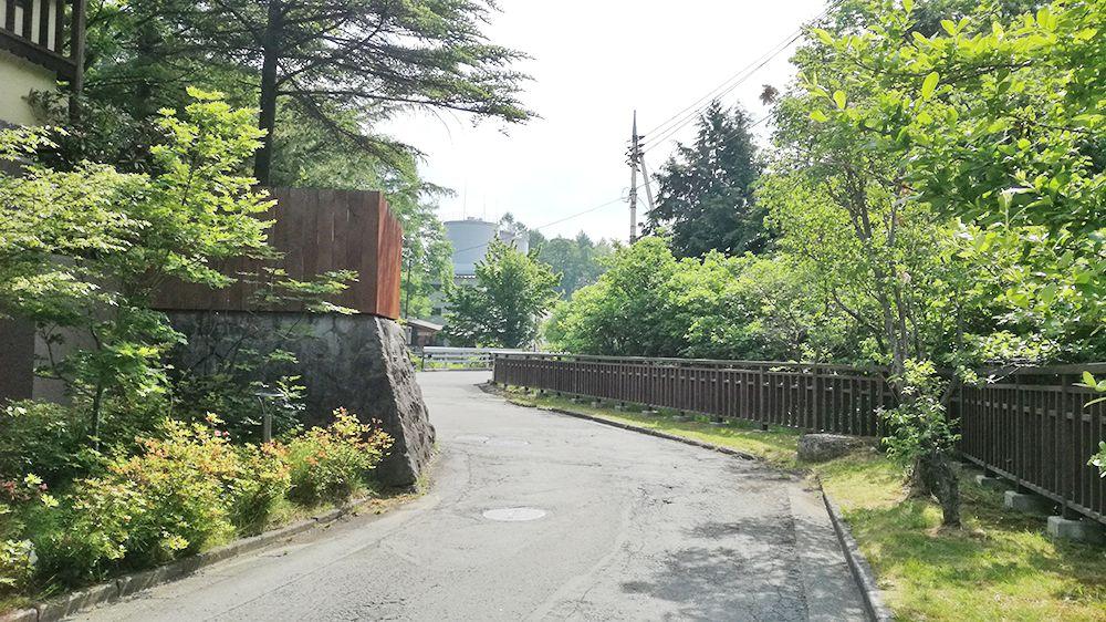 大滝乃湯の横の道