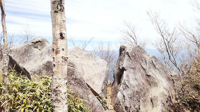 黒檜山頂上奥の絶景スポットの様子