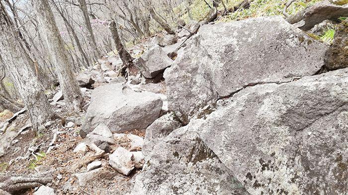 駒ヶ岳登山道 落石