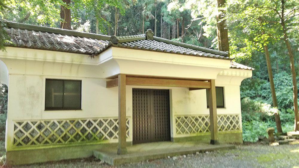 金鑚神社にある蔵