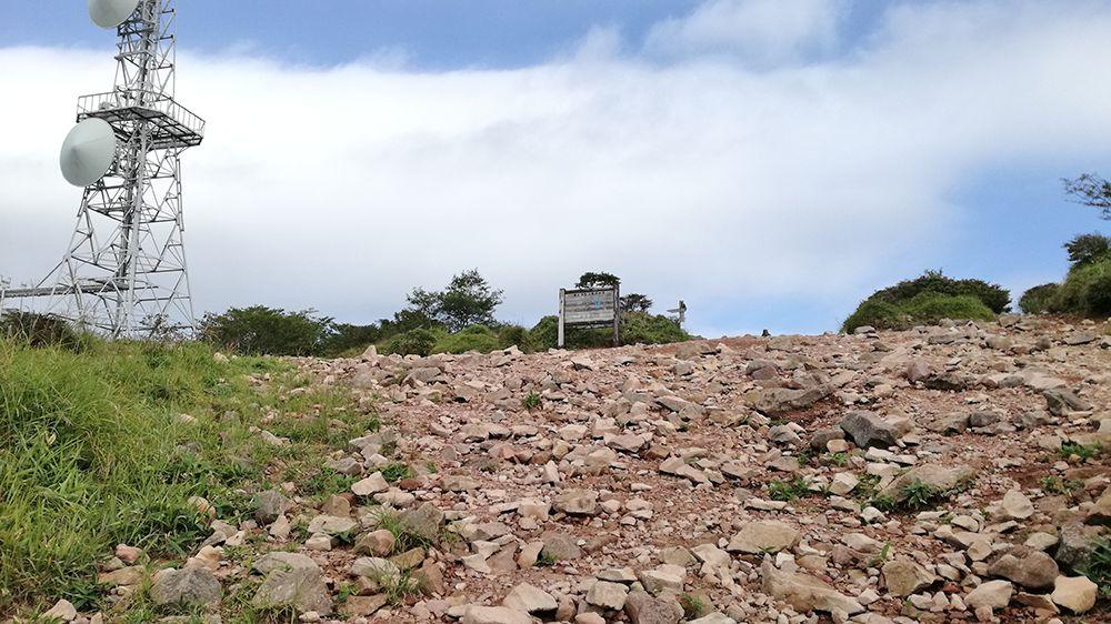 地蔵岳山頂