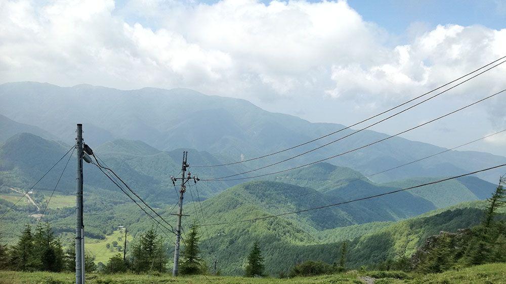 美ヶ原高原の遊歩道から見える風景