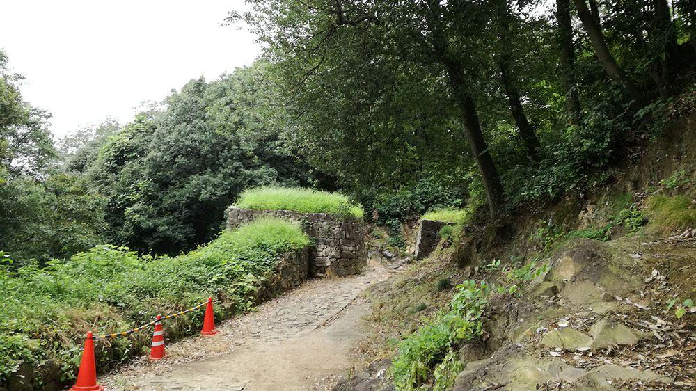 金山城跡の物見台下堀切と物見台下虎口周辺